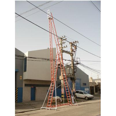 Escaleras jirafa de prfv escaleras seguridad industrial for Escaleras fibra